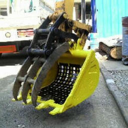 Excavator Sieve Attachment with Thumb